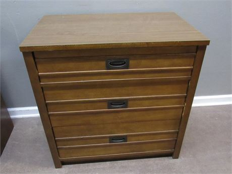 Thomasville Mid Century 3-Drawer Bachelor Chest