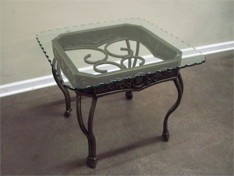 METAL END TABLE - ANTIQUE FINISH WITH SCALLOPED EDGE GLASS TOP