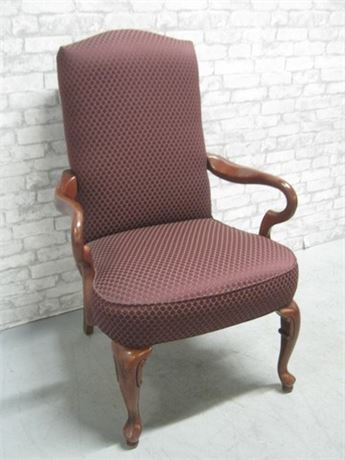 NICE UPHOLSTERED OCCASIONAL/SIDE CHAIR