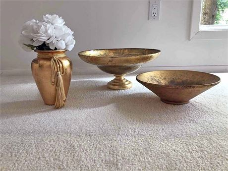 Gold Decorative Bowls & Vase