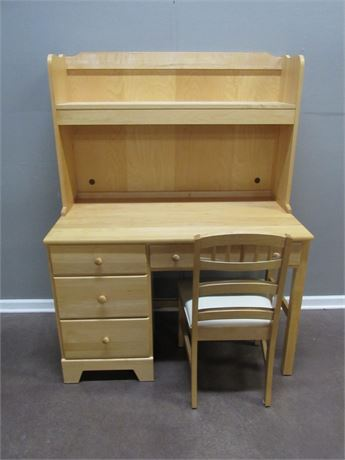 Moosehead Furniture Desk with Hutch and Chair