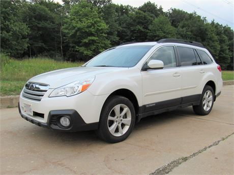2014 Subaru Outback 2.5i Premium AWD 5-Door Wagon with ONLY 11,450 miles