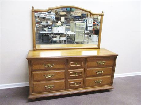 VINTAGE STANLEY TRIPLE DRESSER WITH MIRROR