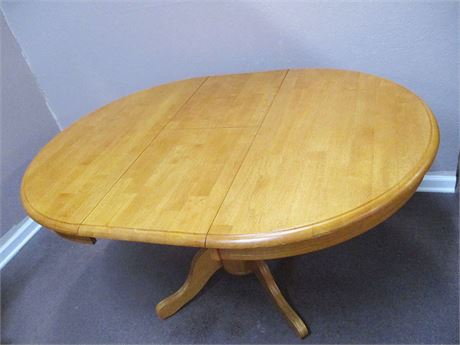 BEAUTIFUL PEDESTAL TABLE WITH BUILT-IN LEAF