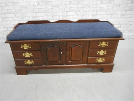 GREAT LOOKING LANE CEDAR CHEST WITH SEAT CUSHION