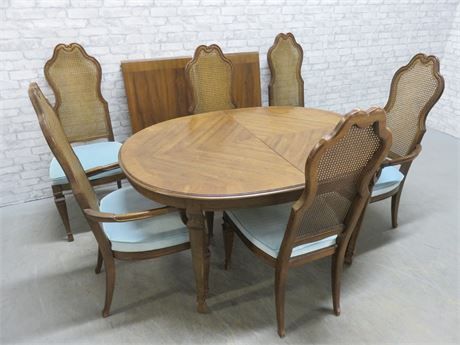 DREXEL Siena Fruitwood Dining Table Set