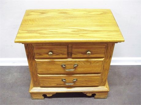 JAMESTOWN STERLING NIGHTSTAND
