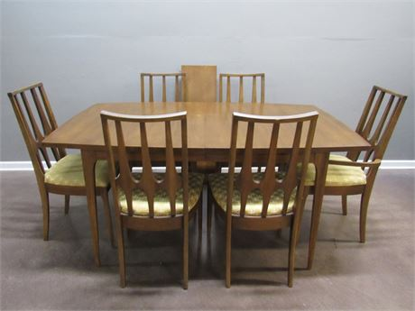 Broyhill Premier Mid Century Modern Brasilia Dining Table with 6 Chairs
