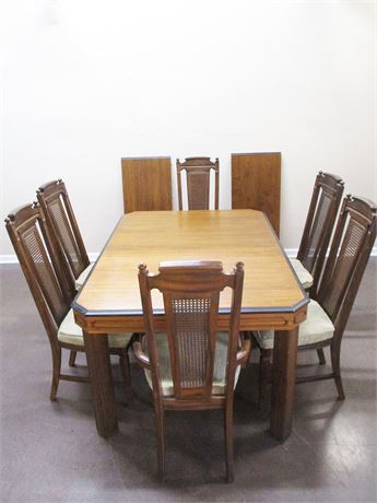 WELDWOOD DINING TABLE W/6 STANLEY CHAIRS