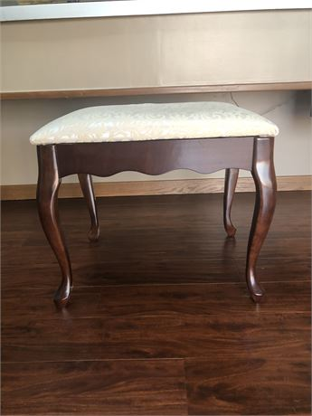 Bombay Co. Queen Anne Vanity/Writing Desk Bench Seat