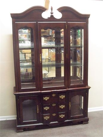 CHIPPENDALE STYLE 2 PIECE CHINA HUTCH