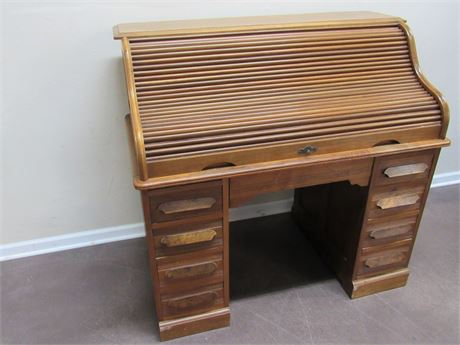 ANTIQUE S-CURVE ROLLTOP DESK WITH PIN AND COVE DOVETAILS