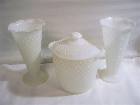 VINTAGE ANCHOR HOCKING 3 PIECE HOBNAIL AND BAR WHITE MILK GLASS LOT