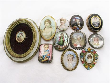 LOT OF VINTAGE PORTRAIT PINS FEATURING ORIGINAL BY ROBERT