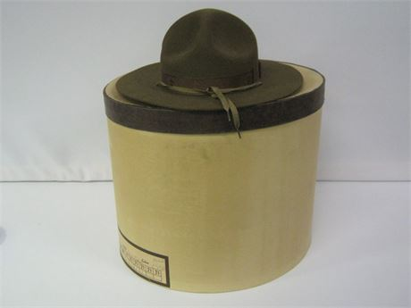 VINTAGE BOY SCOUTS OF AMERICA OFFICIAL HAT WITH BOX - LIKE NEW