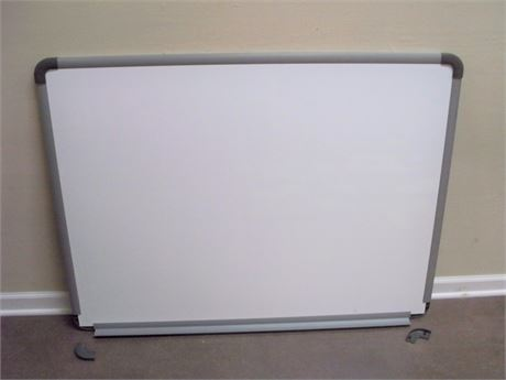 WALL MOUNT WHITE BOARD
