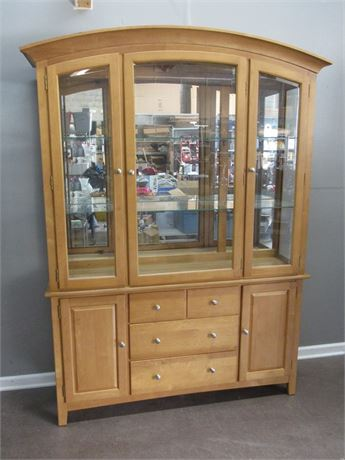 Nice Stanley China Hutch