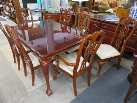 Chippendale Style Dining Table Set