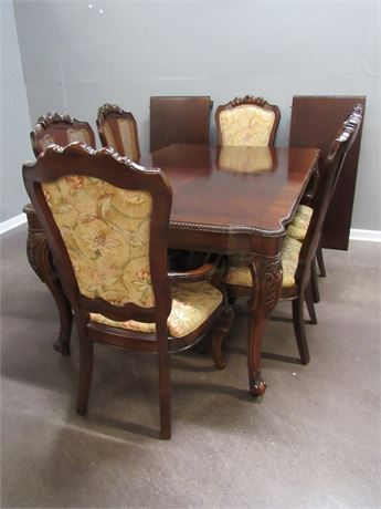 Thomasville Dining Table with 6 Chairs and 2 Leaves