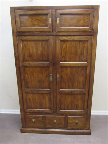 NICE TALL BEDROOM ARMOIRE