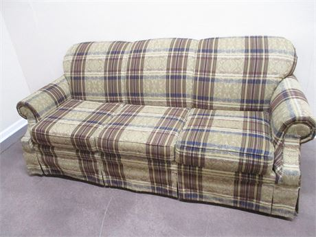 VERY NICE BROYHILL SOFA