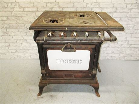 VINTAGE GAS RANGE BY DOMESTIC TRENKAMP