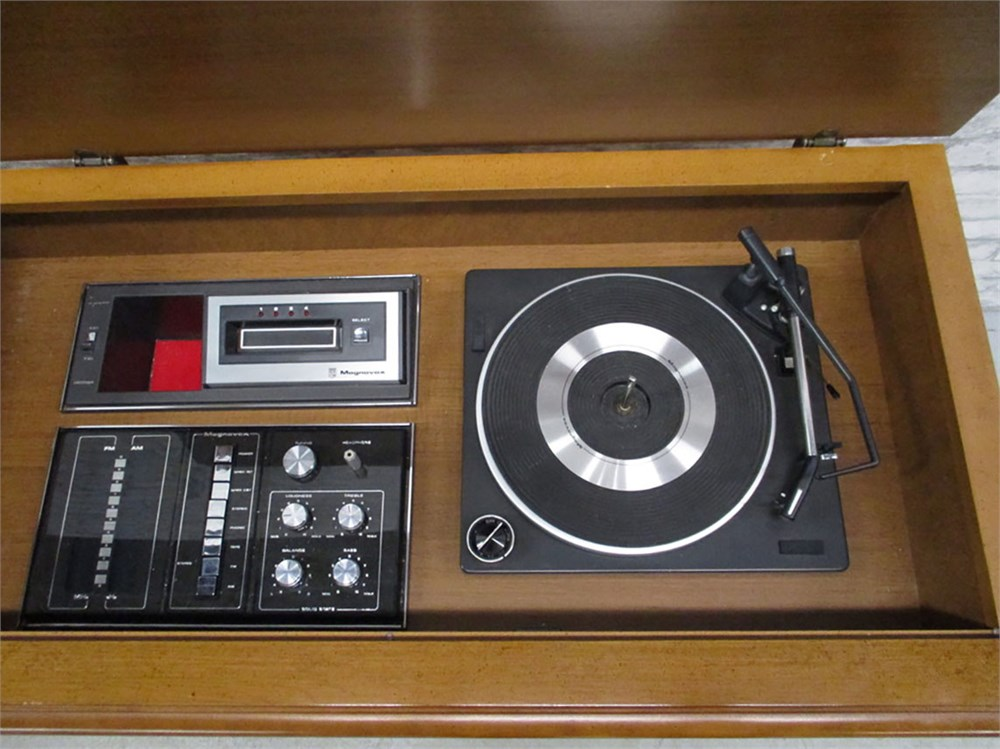 Transitional Design Online Auctions - 1970s MAGNAVOX CONSOLE STEREO