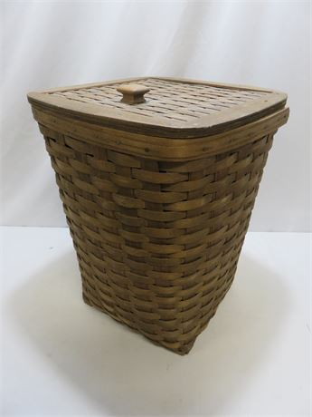 Vintage 1981 LONGABERGER Lidded Basket