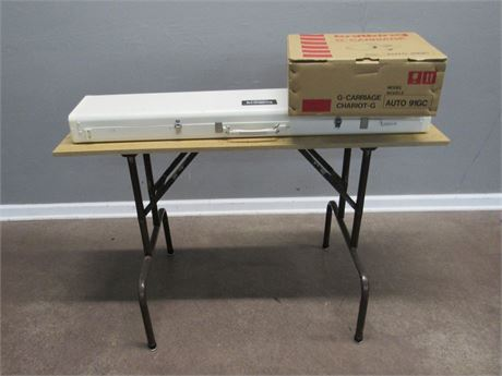 KnitKing Compuknit IV Knitting Machine with Table & NIB Auto 91GC G- Carriage