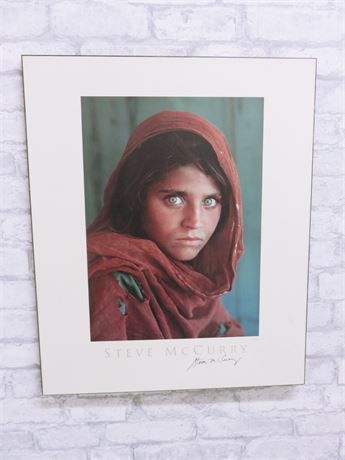 "1984 STEVE MCCURRY ""Afghan Girl"" Lithograph Print (Signed)"