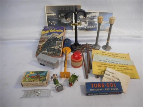 MISC. O-GAUGE TRAIN RELATED ITEMS/ACCESSORIES