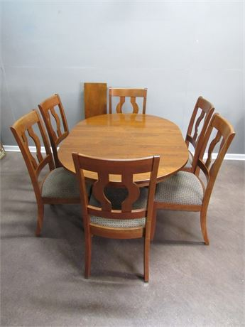 Contemporary Mid Century Style Dining Table with 6 Chairs and 2 Leaves