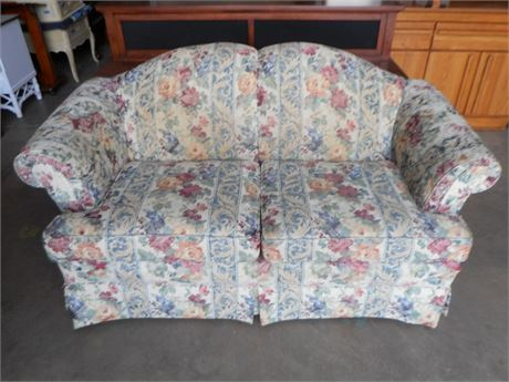 CLAYTON MARCUS FLORAL LOVESEAT
