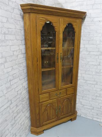 COCHRANE Oak Corner Hutch
