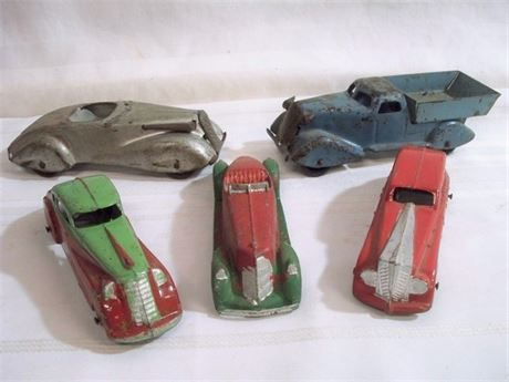 5 VINTAGE TOY CARS