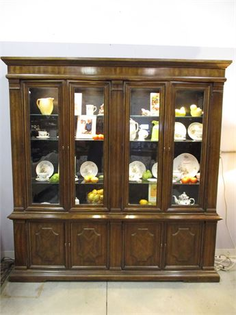 LIGHTED HUTCH BY HERITAGE