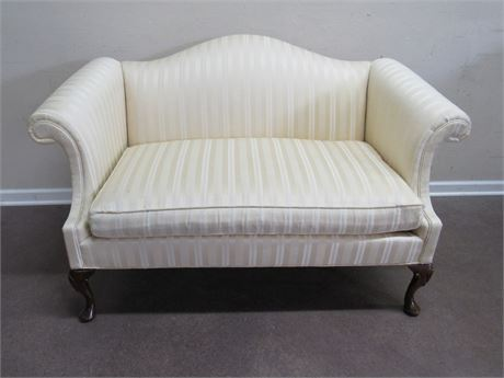 HICKORY CHAIR CO. UPHOLSTERED CAMEL-BACK LOVESEAT