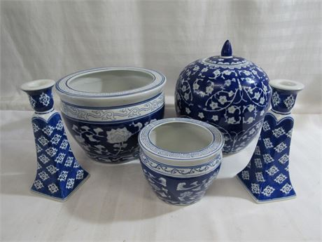 5 PIECE COBALT BLUE AND WHITE POTTERY LOT