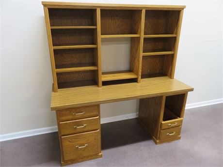 Oak Computer Desk/Hutch