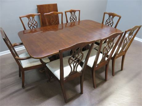 DREXEL HERITAGE Chippendale Dining Table Set