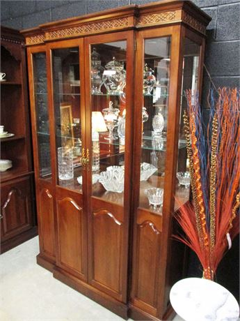EXCELLENT CARVED BREAKFRONT CURIO