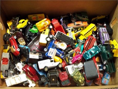 HUGE VINTAGE TOY CAR LOT - HOT WHEELS AND MORE