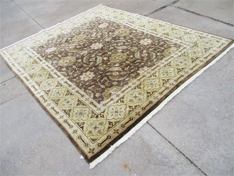 "100% WOOL KALATY AREA RUG (7'9"" X 9'7"")"
