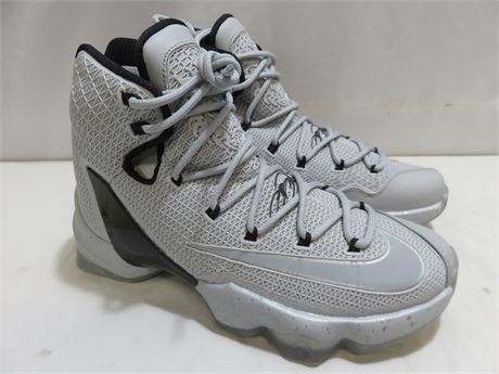 NIKE Lebron XIII Men's Basketball Shoes - SIZE 7