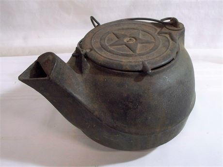 ANTIQUE/VINTAGE CAST IRON TEA KETTLE