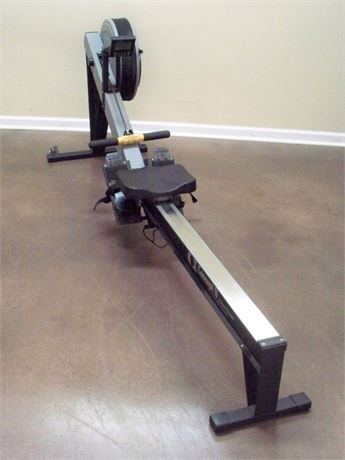 CONCEPT II INDOOR ROWING MACHINE