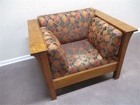 MISSION-STYLE ARM CHAIR