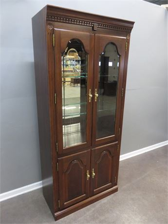 COLONIAL FURNITURE Lighted Cherry Display Cabinet