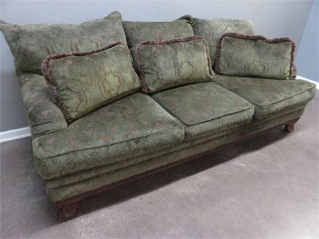 BERNHARDT Flair 3-Cushion Sofa