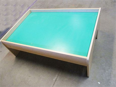 PLAY TABLE